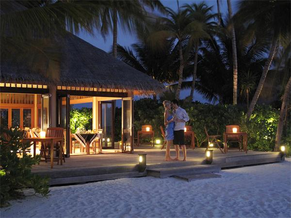 Veligandu Island Resort and Spa Maldives | Simply Maldives Holidays